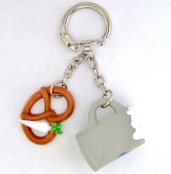 Schlüsselanhänger mit Bierkrug, Breze, Rettich Plastik