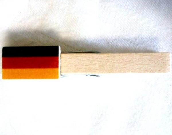 Holzklammer mit Flagge Deutschland, Holzapplikation