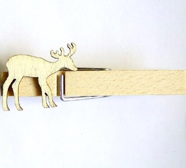 Holzklammer mit Applikation Hirsch aus Holz