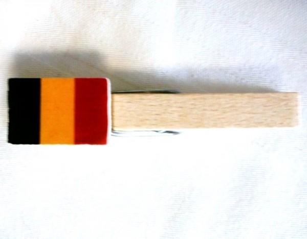 Holzklammer mit Flagge Belgien, Holzapplikation