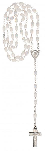 Rosenkranz gekettelt - weiße Glasperlen und Kreuz