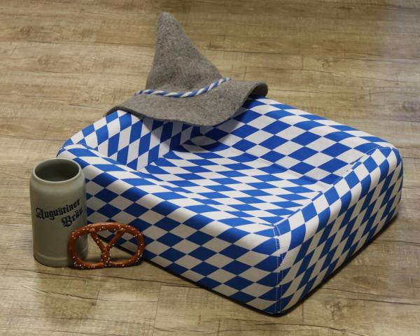 Bayerisches Hundebett - (der Bierkrug und die Breze ist nur Dekoration und nicht im Lieferumfang enthalten)