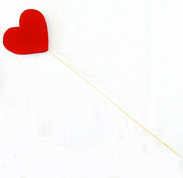 Deko-Stecker Herz 8cm x 7,5cm aus Holz, rot