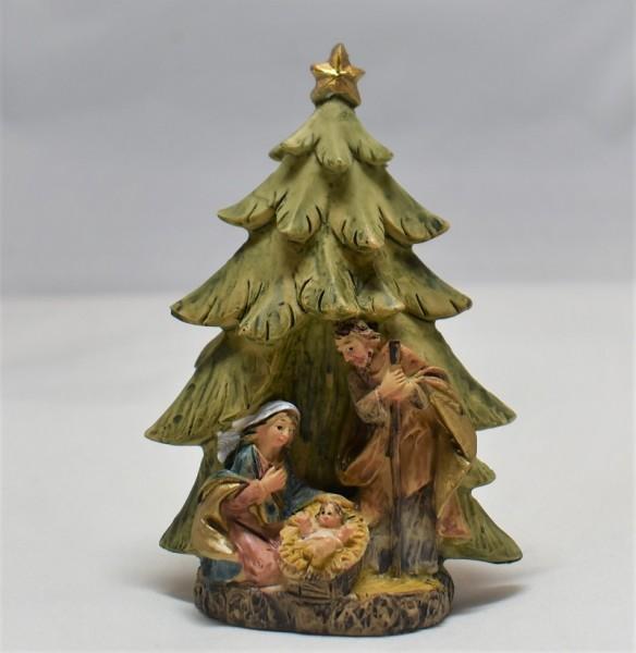 Hlg. Familie unter Tannenbaum, Steinharz, 9,5cm