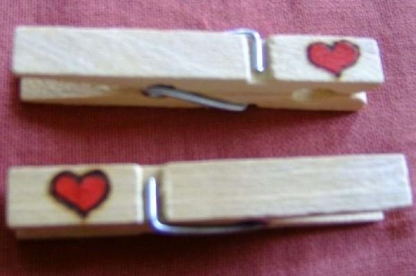 Wiesnglupperl Holzklammer mit Motiv Herz, beidseitig