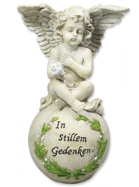 Engel auf Kugel Polyresin in stillem Gedenken