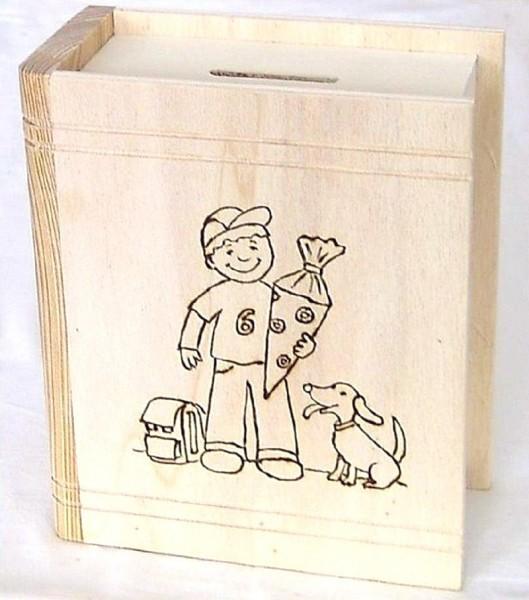 Sparbuch aus Holz mit Brandmotiv Junge mit Schultüte