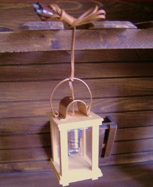Stalllaterne, Laterne aus Holz 6,5cm H, E10 Krippenlicht