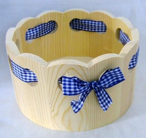 Brotkorb, rund mit blau weissem Stoffband