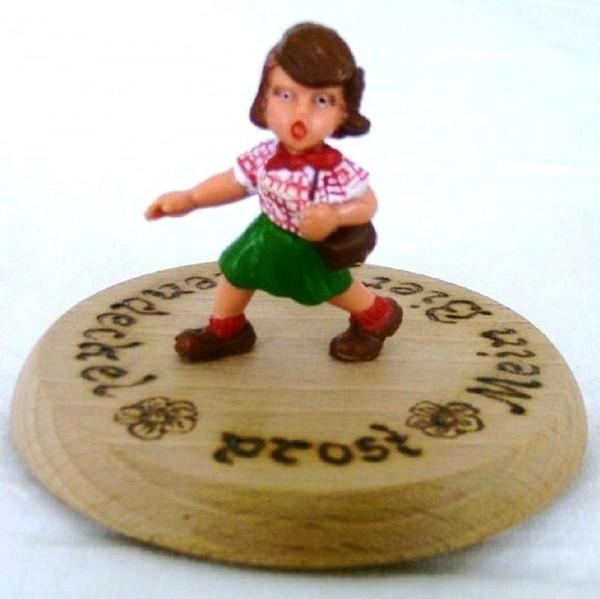 Bierdeckel Holz mit Spruch und Figur Wanderin Plastik