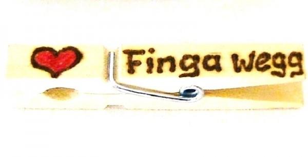 Holzklammer mit Motiv Herz und Spruch Finga wegg, einseitig