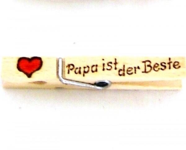 Holzklammer mit Herz und Spruch Papa ist der beste, einseitig