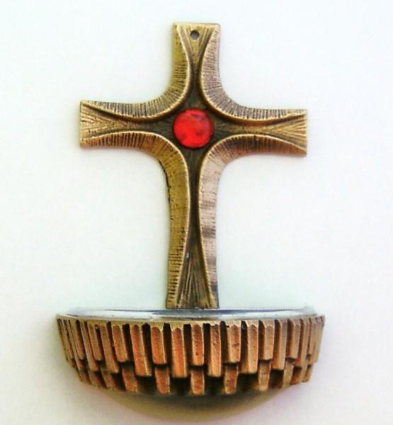 Weihwasserkessel aus Bronze, Kreuz mit rotem Glasstein
