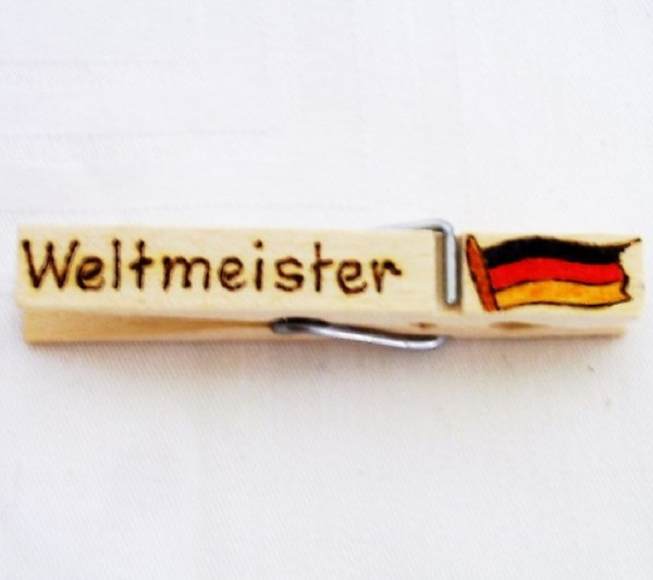Wiesnglupperl mit Deutschlandfahne